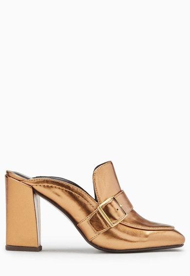 Saboti loafer maro bronz cu toc inalt de la NEXT