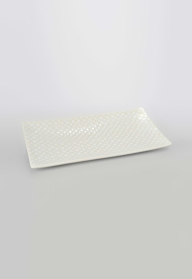 Platou alb pentru prajituri cu model grafic de la Amadeus