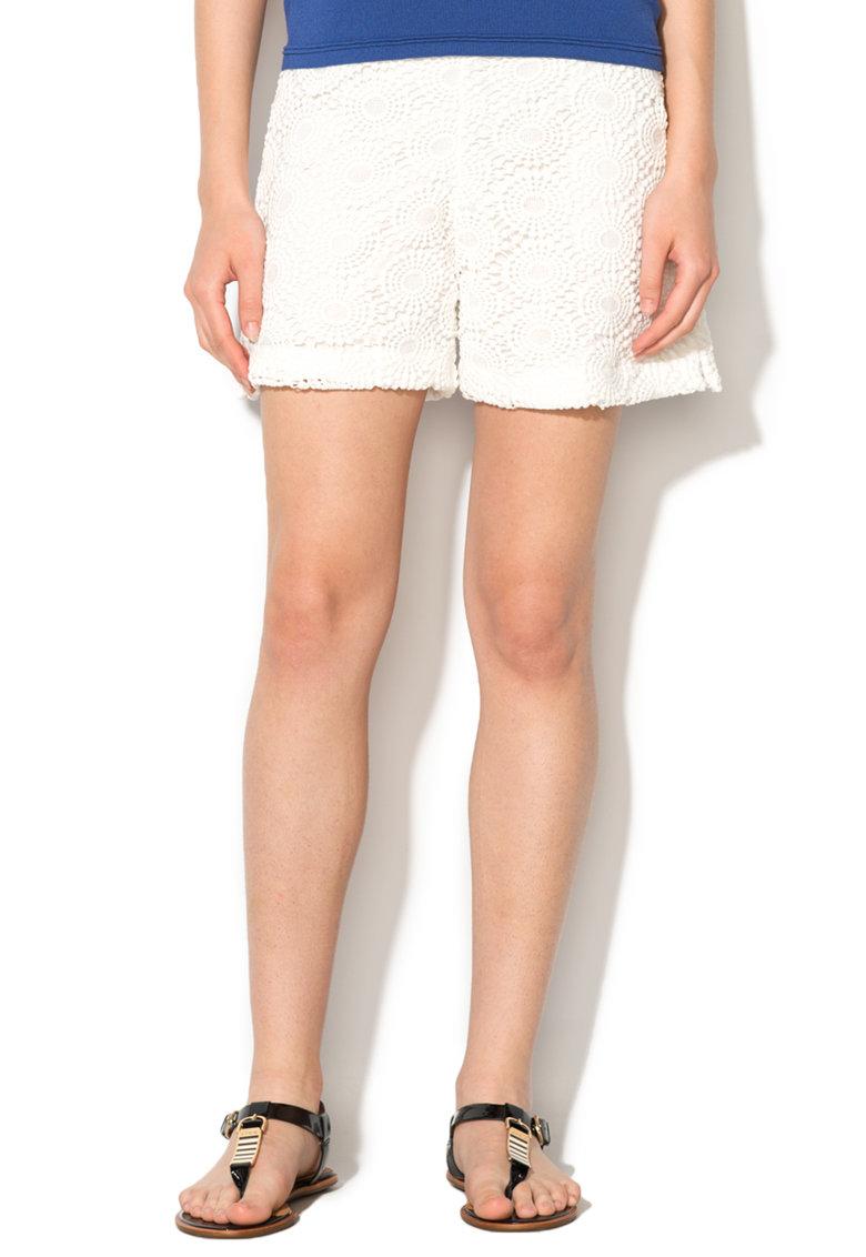 Pantaloni scurti albi cu strat exterior crosetat United Colors of Benetton