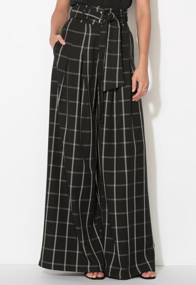 Pantaloni negri in carouri cu design amplu de la Zee Lane Collection