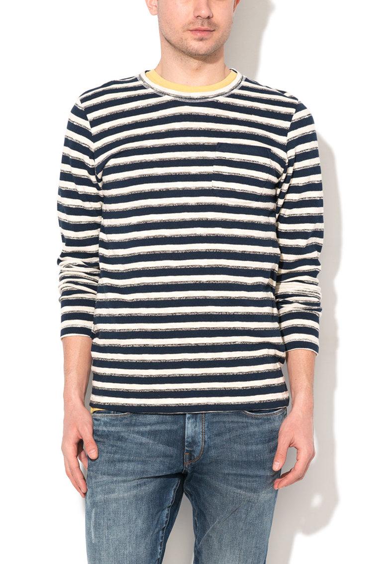 Esprit Pulover tricotat fin alb prafuit cu bleumarin in dungi