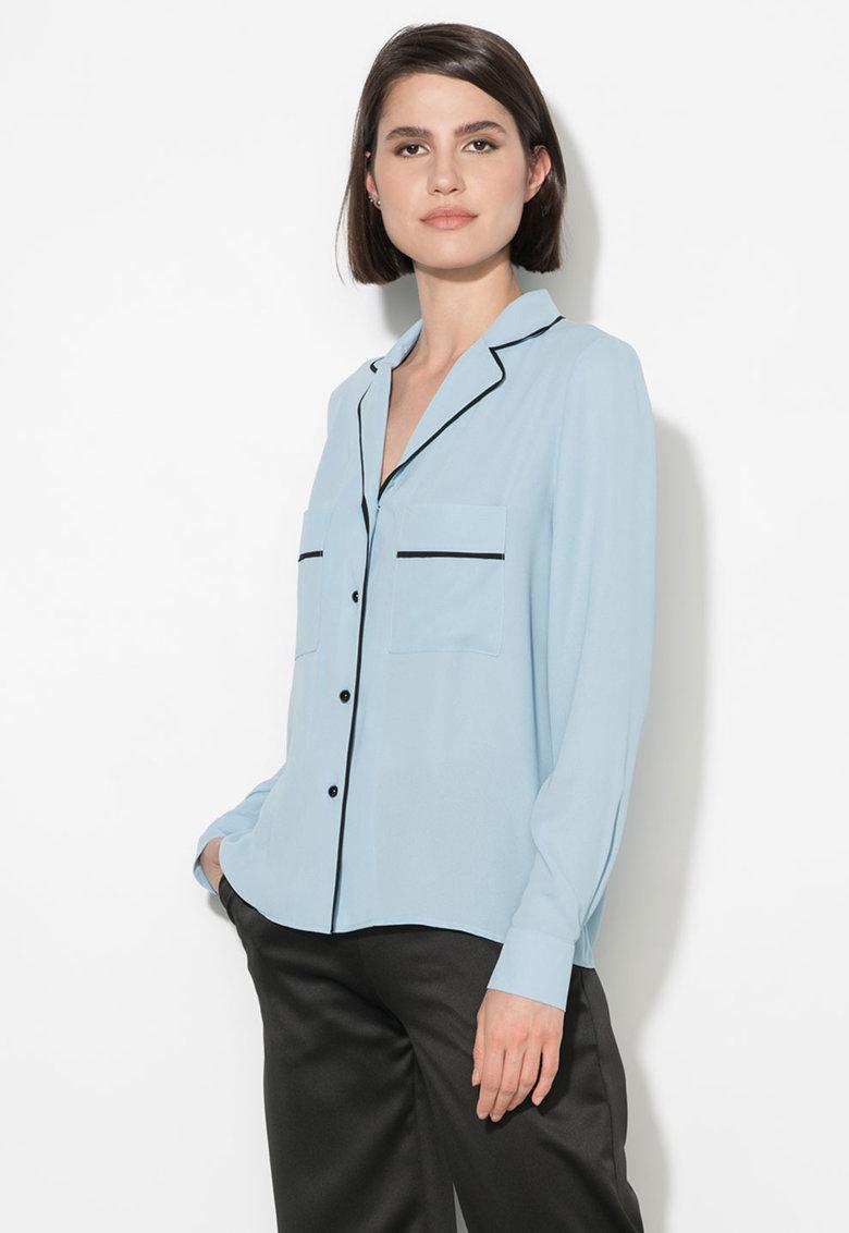 Camasa albastru pastel cu garnituri negre de la Zee Lane Collection