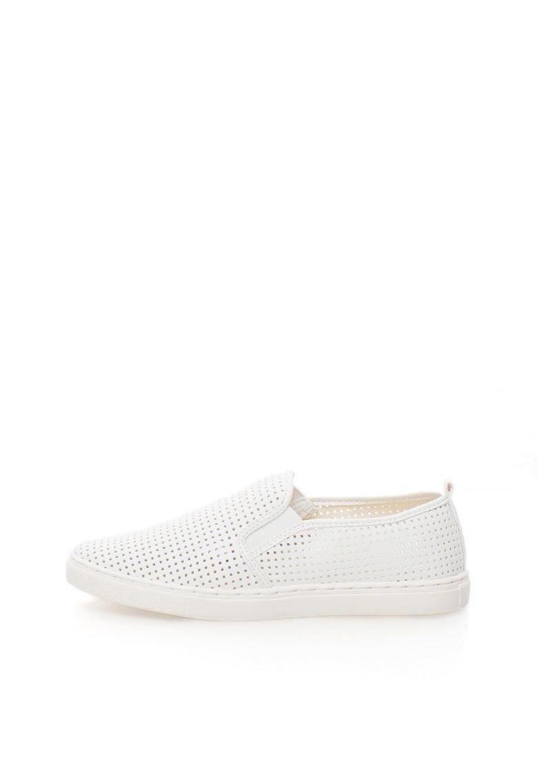 Pantofi slip-on albi cu perforatii