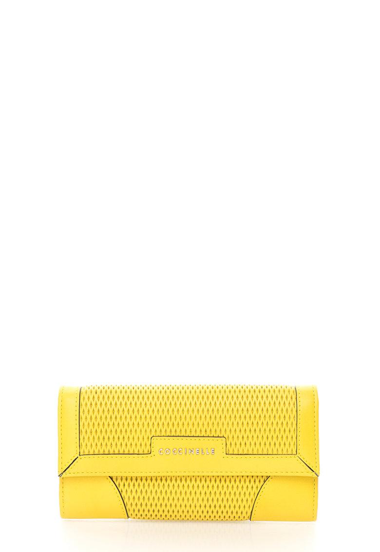 COCCINELLE Portofel galben chartreuse de piele cu clapa Brad