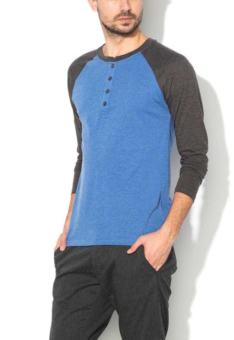 Bluza Henley albastru cu gri carbune de la BRAVE SOUL