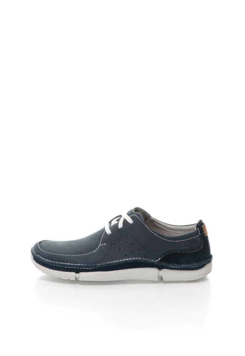 Pantofi boat bleumarin din piele nabuc Trikeyon de la Clarks