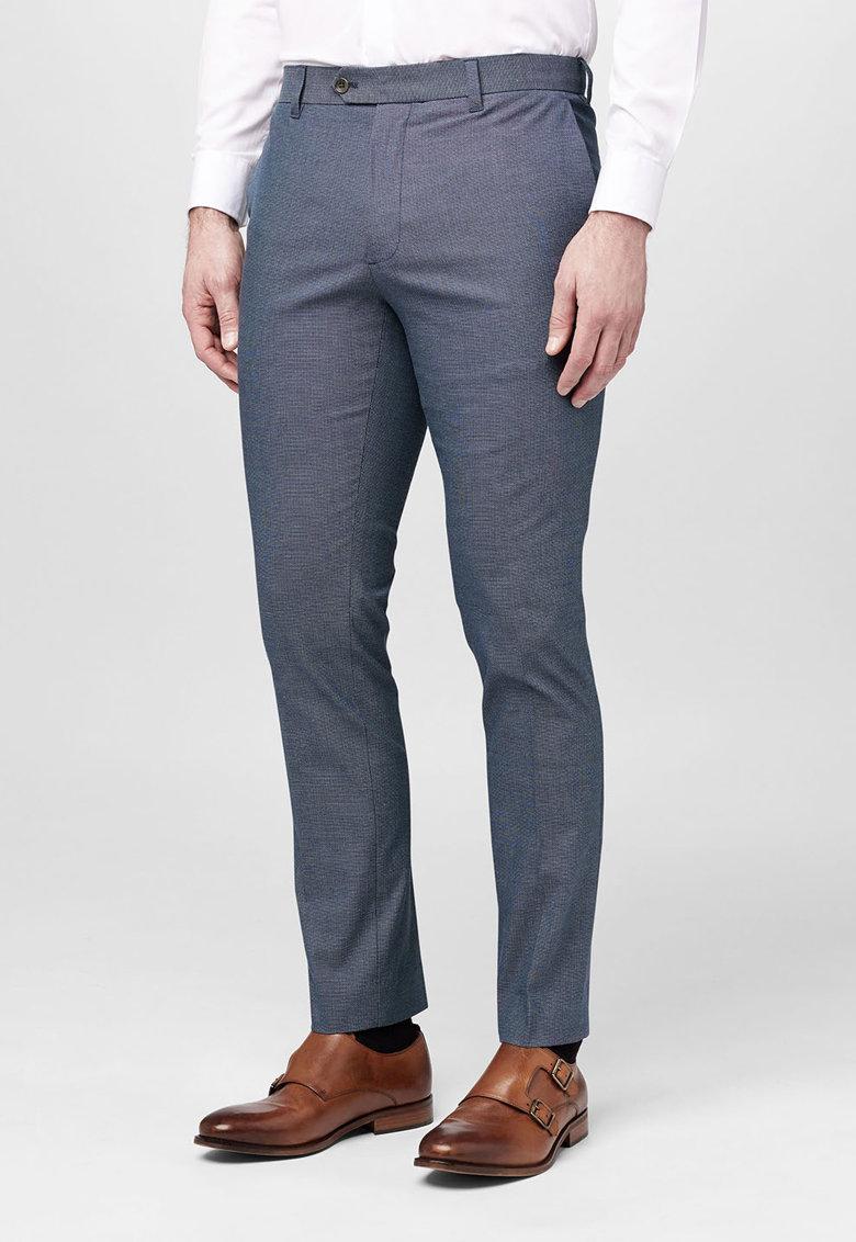 Pantaloni bleumarin texturati de la NEXT