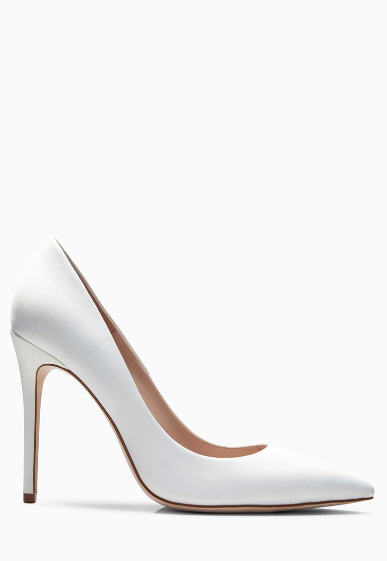 Pantofi albi cu toc stiletto inalt
