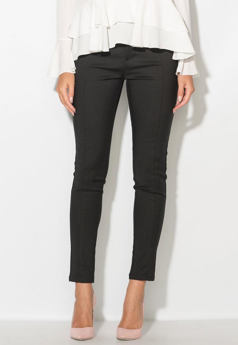 Pantaloni chino cu pense de la Zee Lane