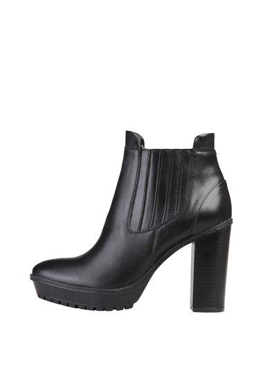 FashionDays.ro: Botine negre din piele cu toc masiv Lenor Versace 1969 Abbigliamento Sportivo