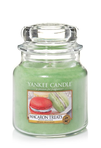FashionDays.ro: Lumanare parfumata medie in borcan Macaron Treats Yankee Candle